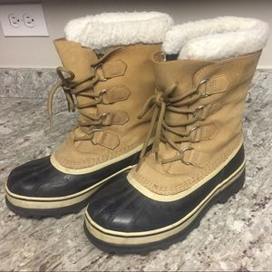 Sorel Caribou Boots - barely worn